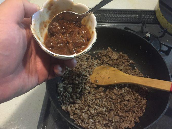 男の肉味噌そぼろ みりん 味噌
